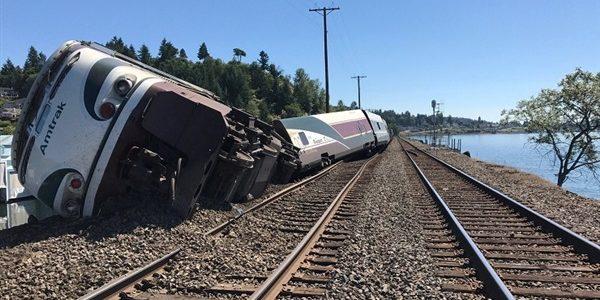 انحراف قطار عن مساره في تايوان يؤدي إلى مقتل 22 وإصابة 171 راكب