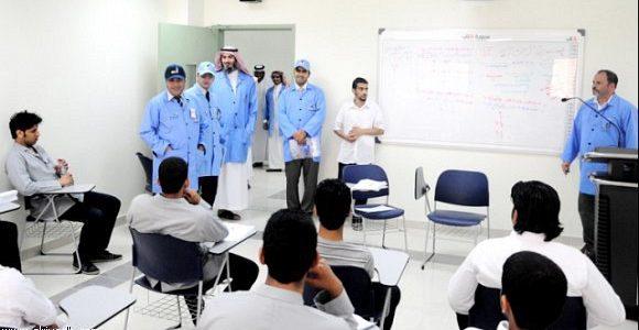 استقبال طلبات القبول لبرنامج الدبلوم بالكلية التقنية