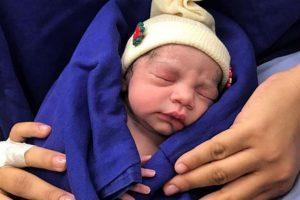 نجاح ولادة أول طفل عن طريقة زرع رحم من متبرعة متوفية