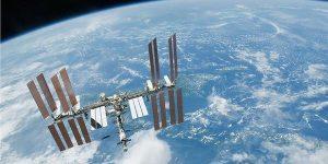 لحظة إطلاق قمرين سعوديين بصناعة سعودية إلى الفضاء